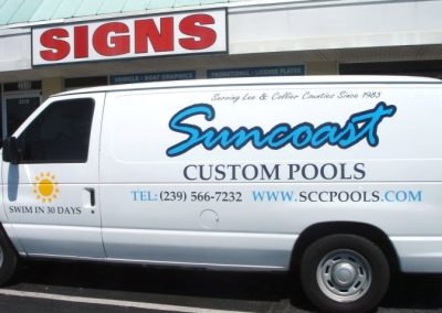 Signs Vinyl Graphic lettering van