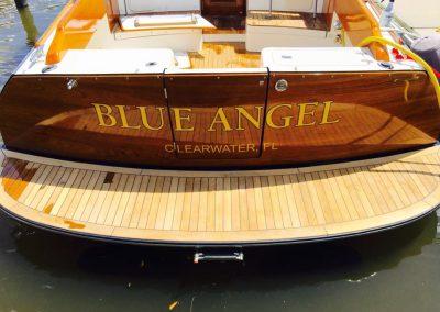 Signs Vinyl lettering boat Back